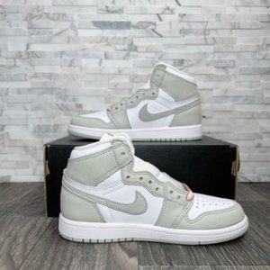 Nike Air Jordan 1 Retro High OG University Blue Exclusive Women's Shoes